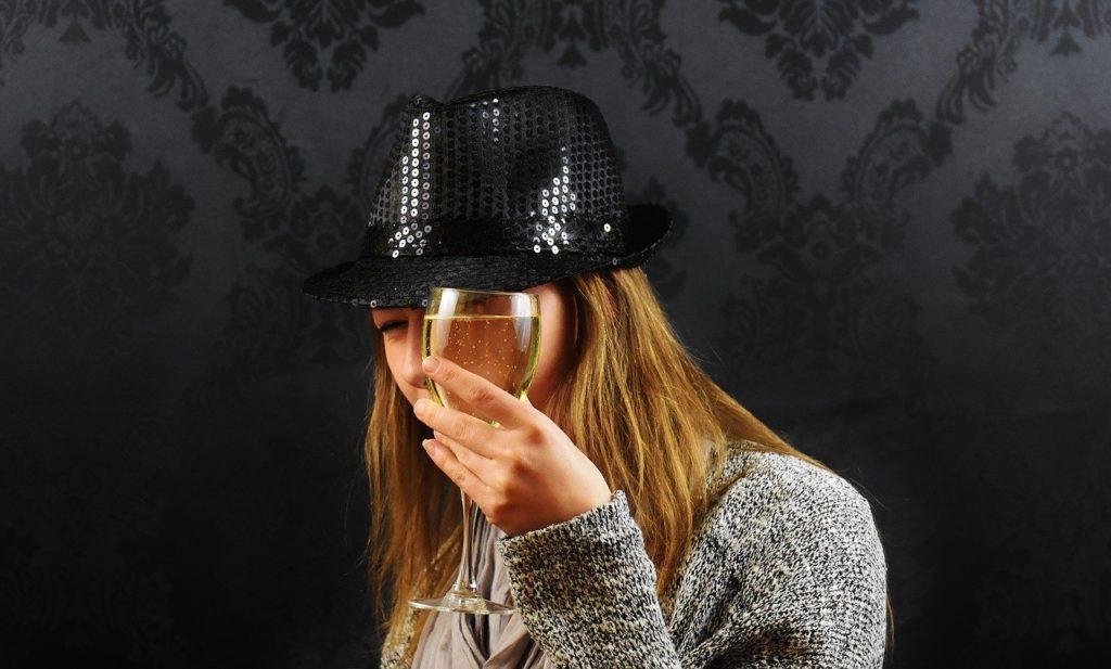 女性、帽子
