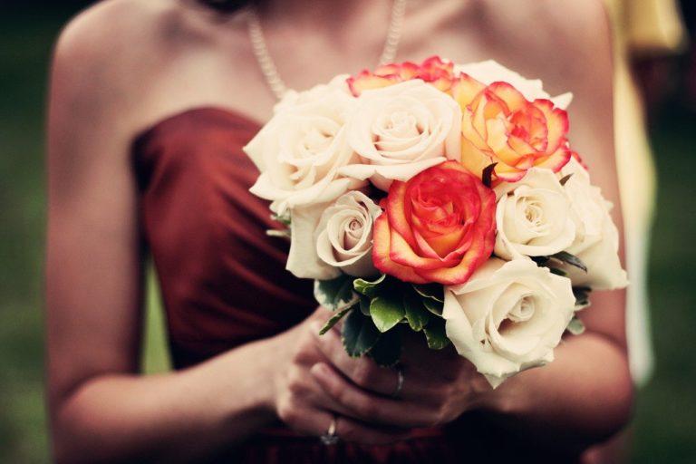 バラとドレス