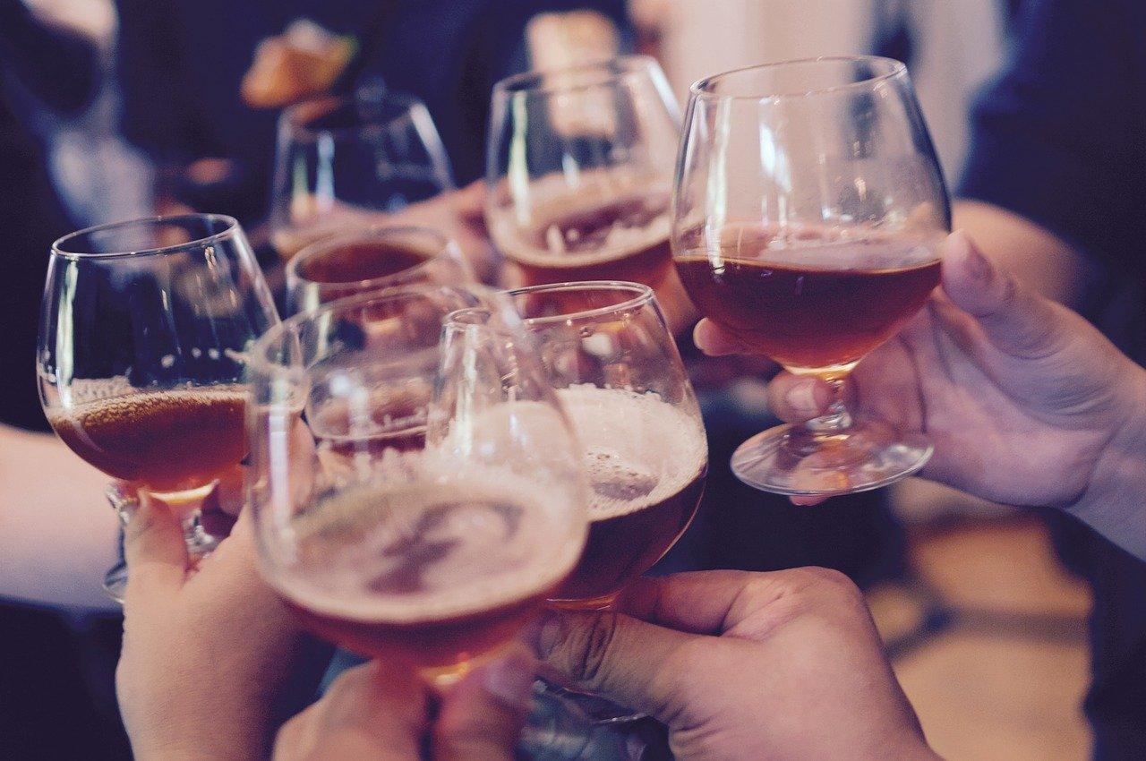 アルコールで乾杯