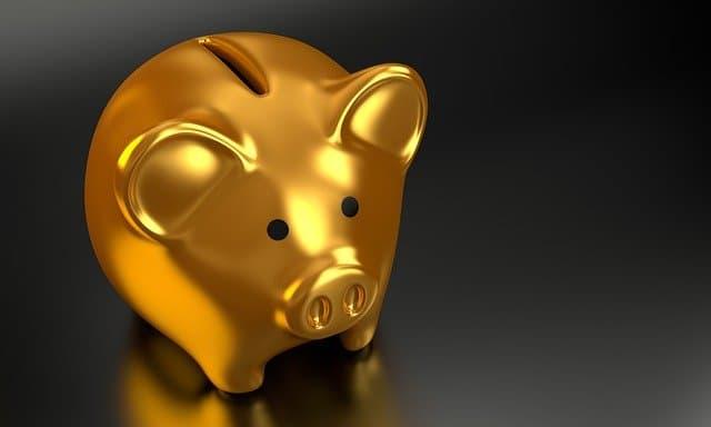 金の豚さん貯金箱