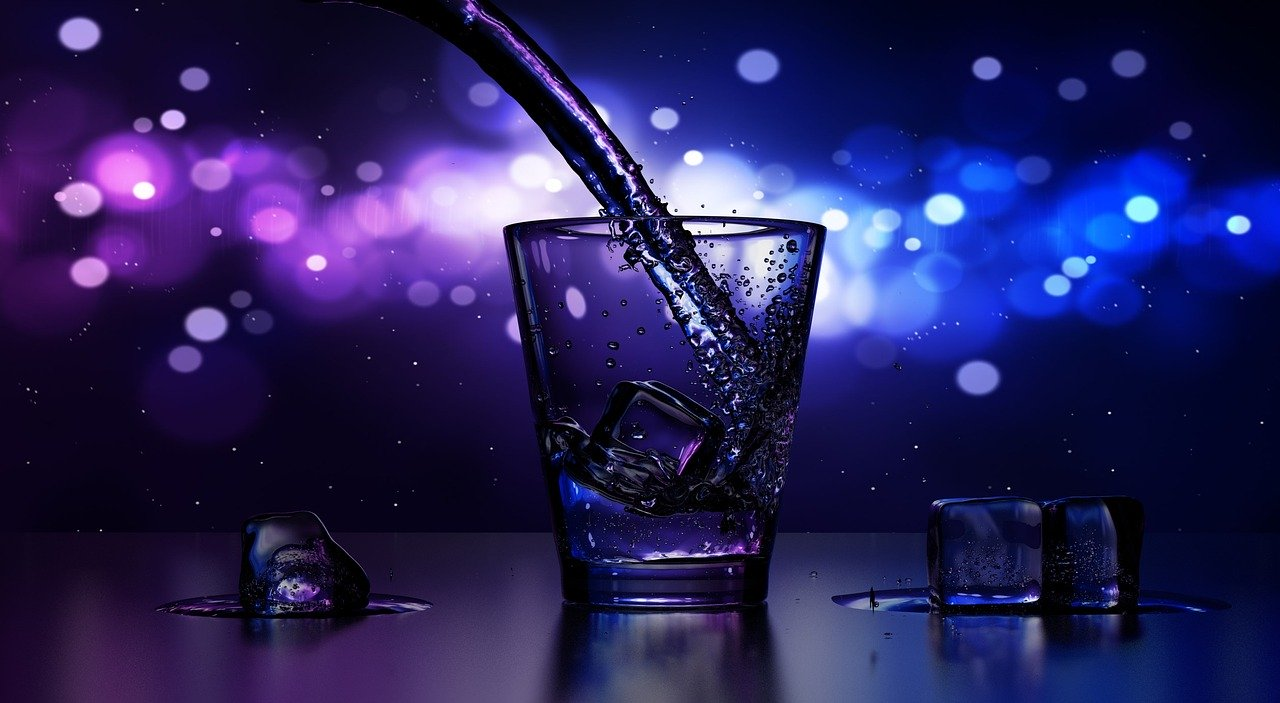 グラスとアルコール