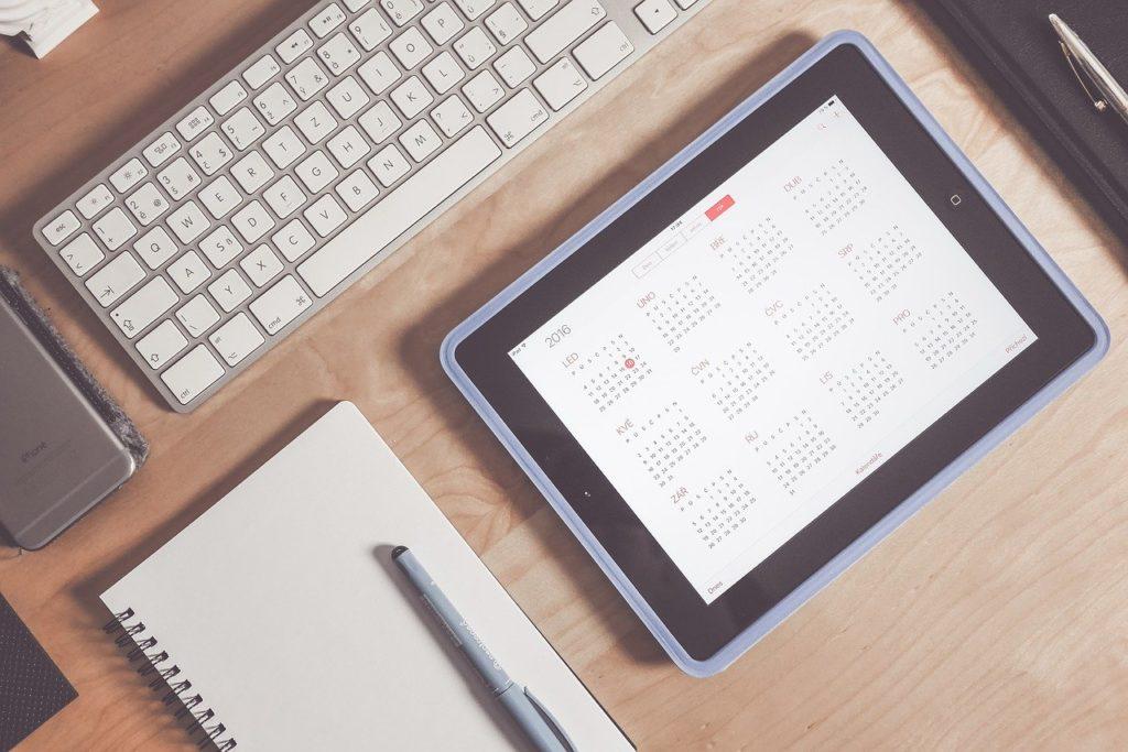 パソコン、スケジュール、カレンダー、タブレット