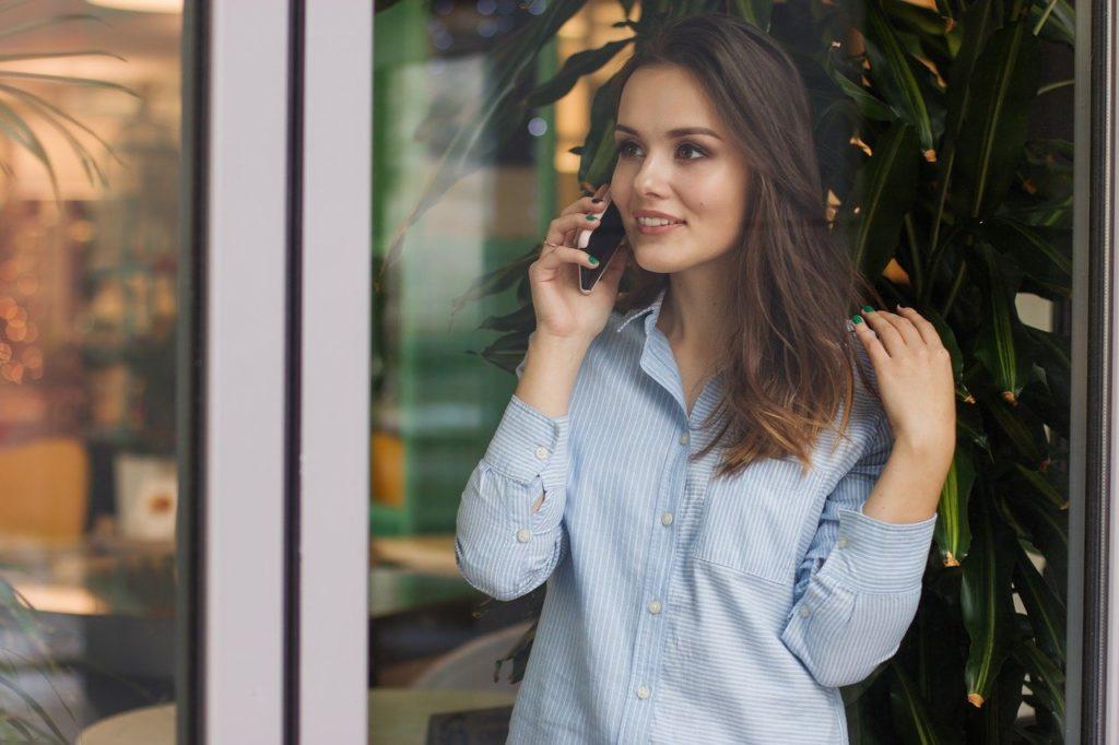 女性、電話