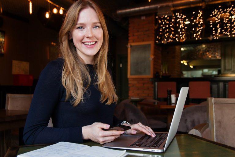 女性、ビジネス、コンピューター
