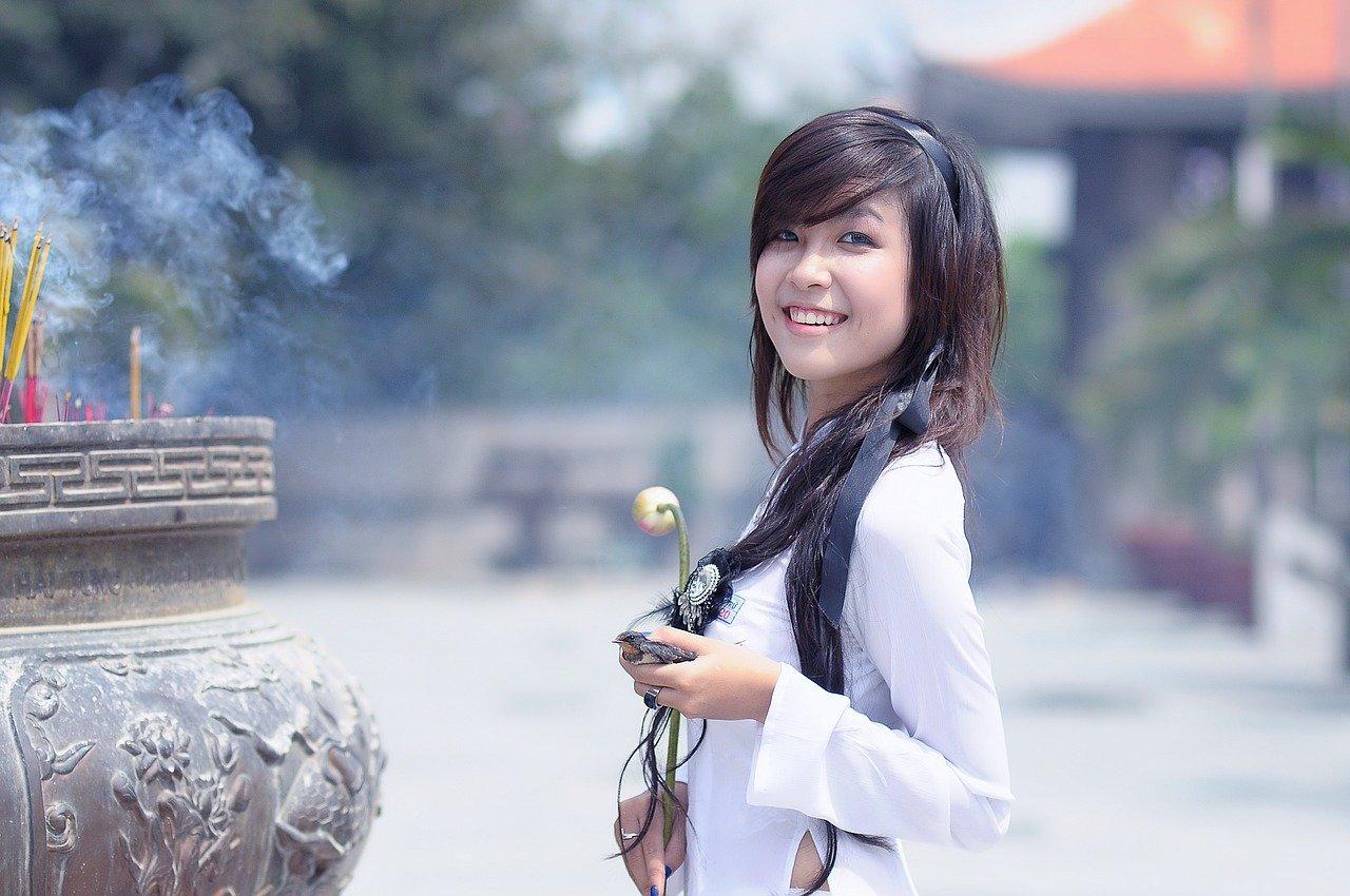 アジア風の服装