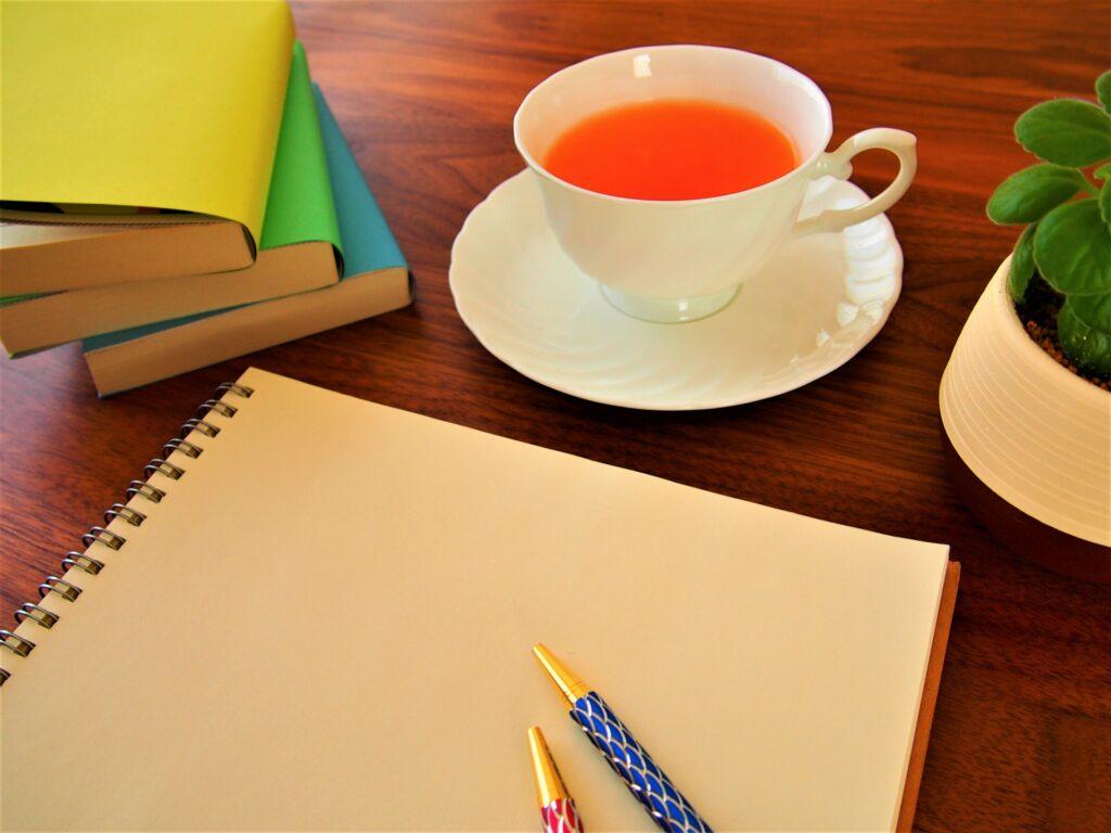 ノートとペンと紅茶