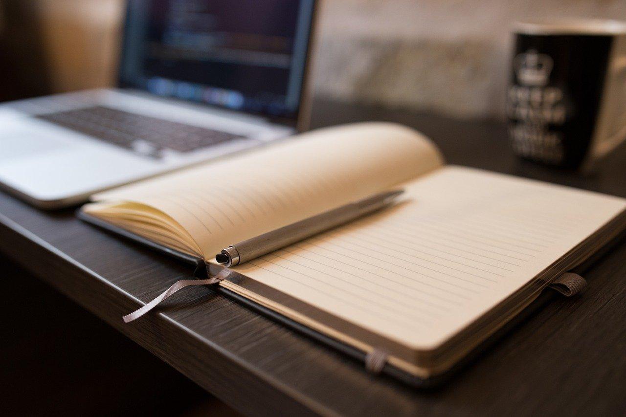 本、ペン、開く