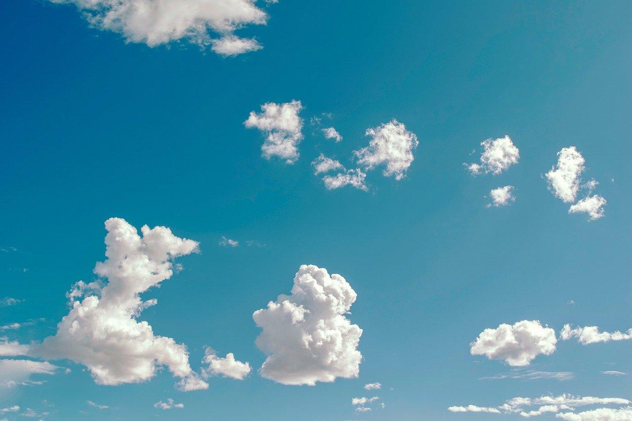 空、雲、形