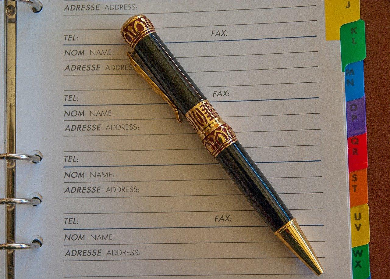 アドレス帳とペン