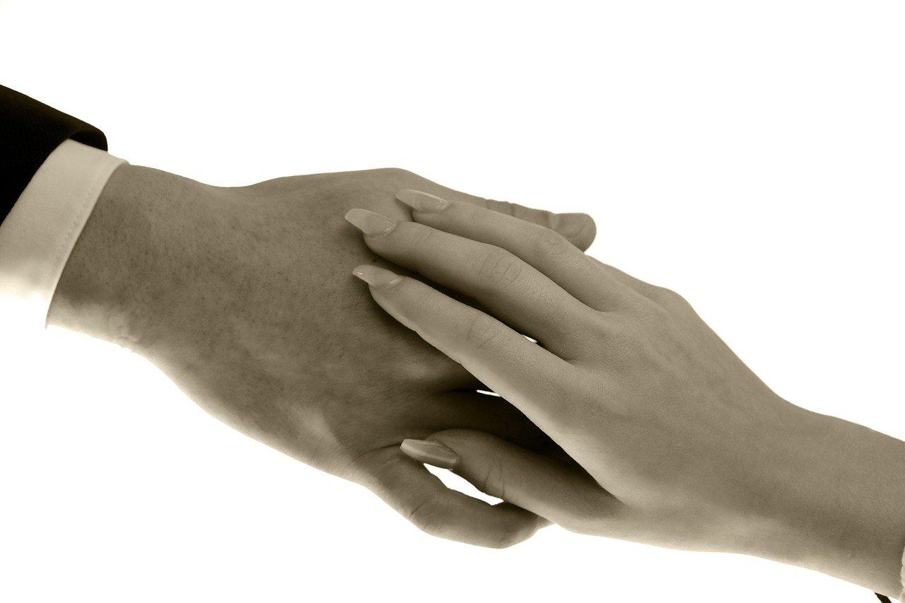手、接触、愛情