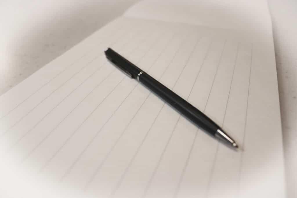 ボールペンと便箋