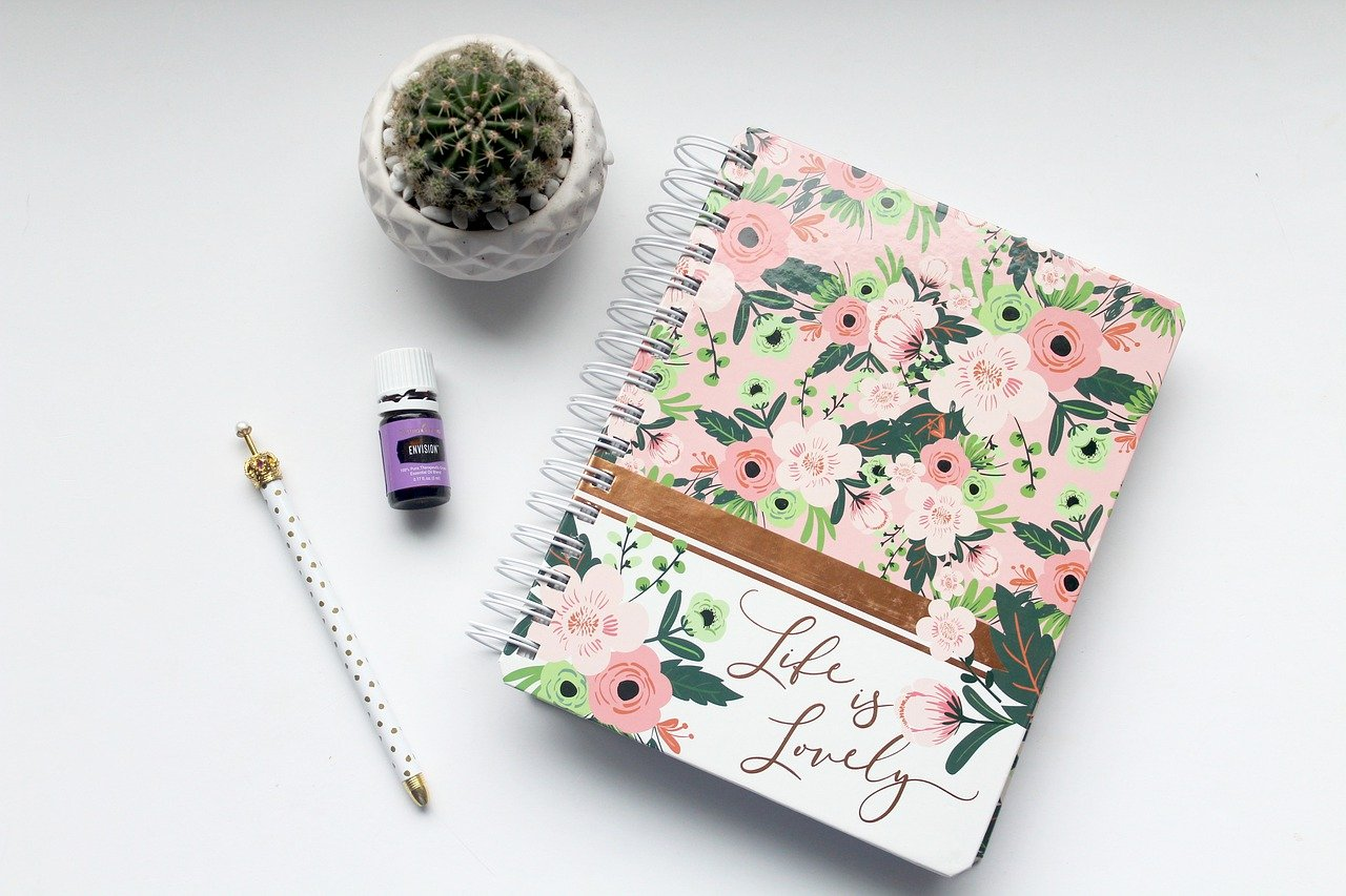 手帳、カレンダー