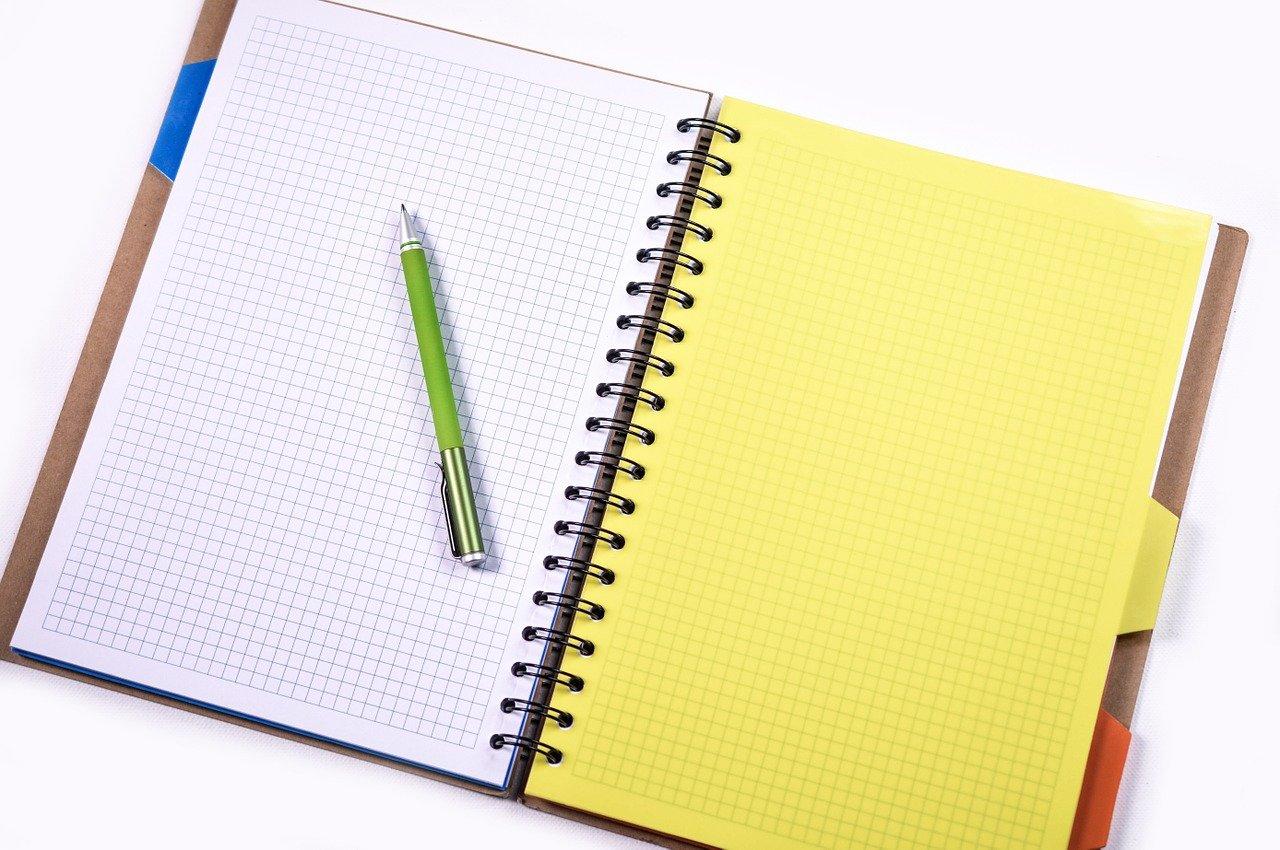 ノート、鉛筆