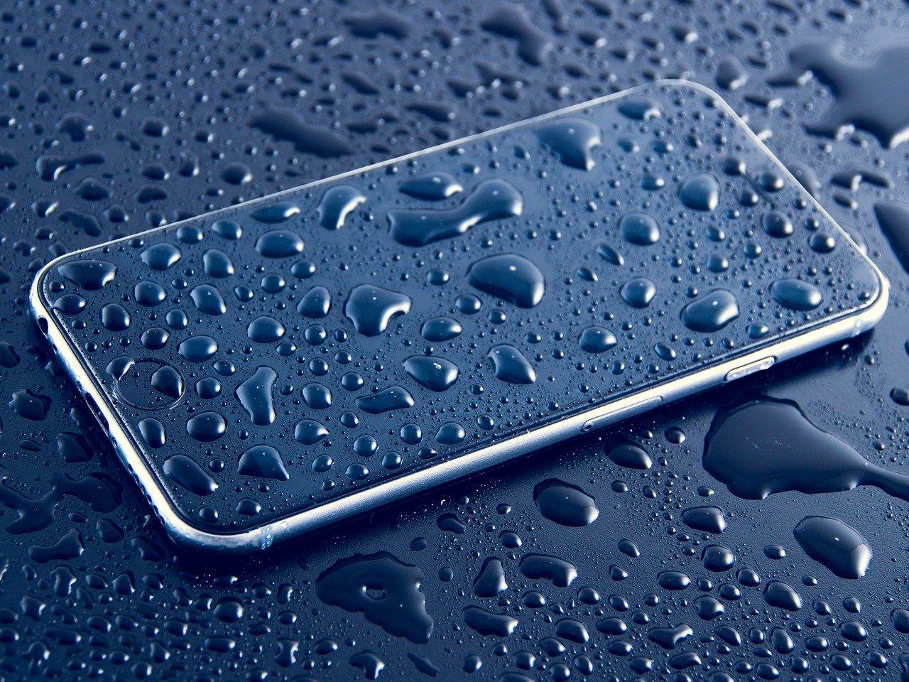 雨、スマートフォン