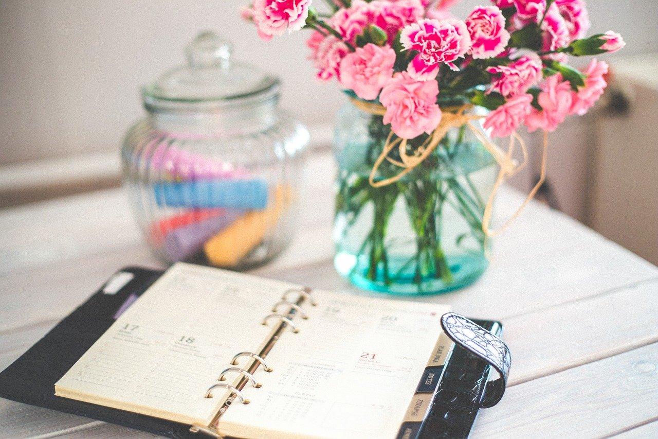 手帳、カレンダー、スケジュール