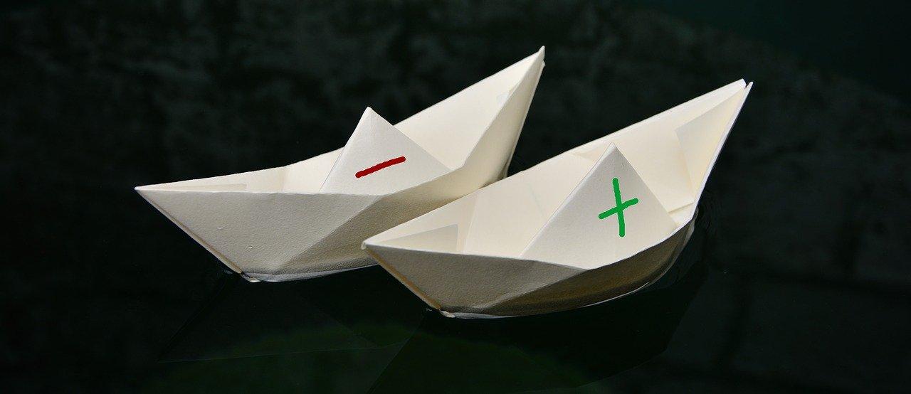 二つの紙の船