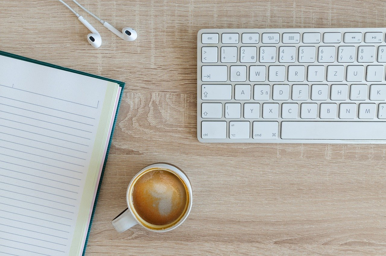 コンピュータ、オフィス、机