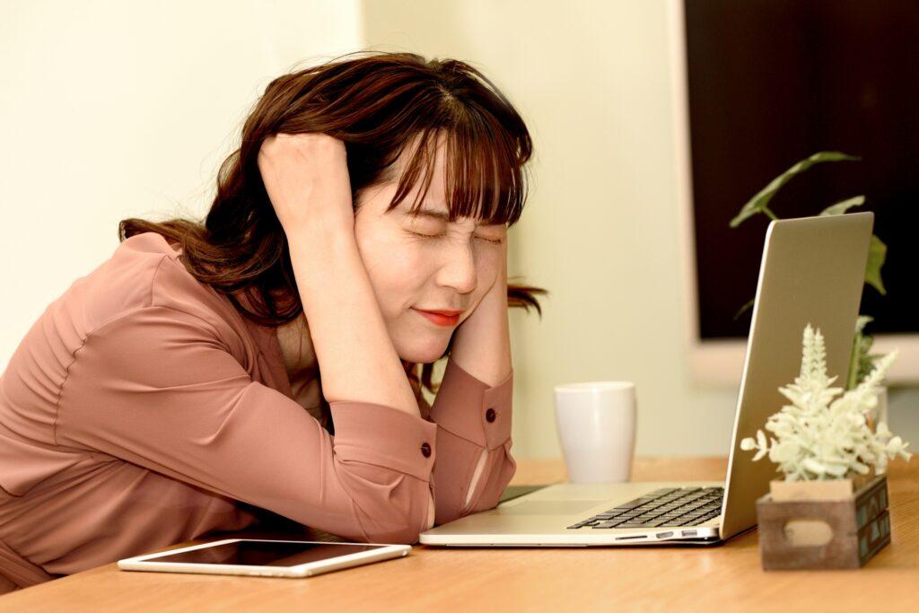 パソコン、女性