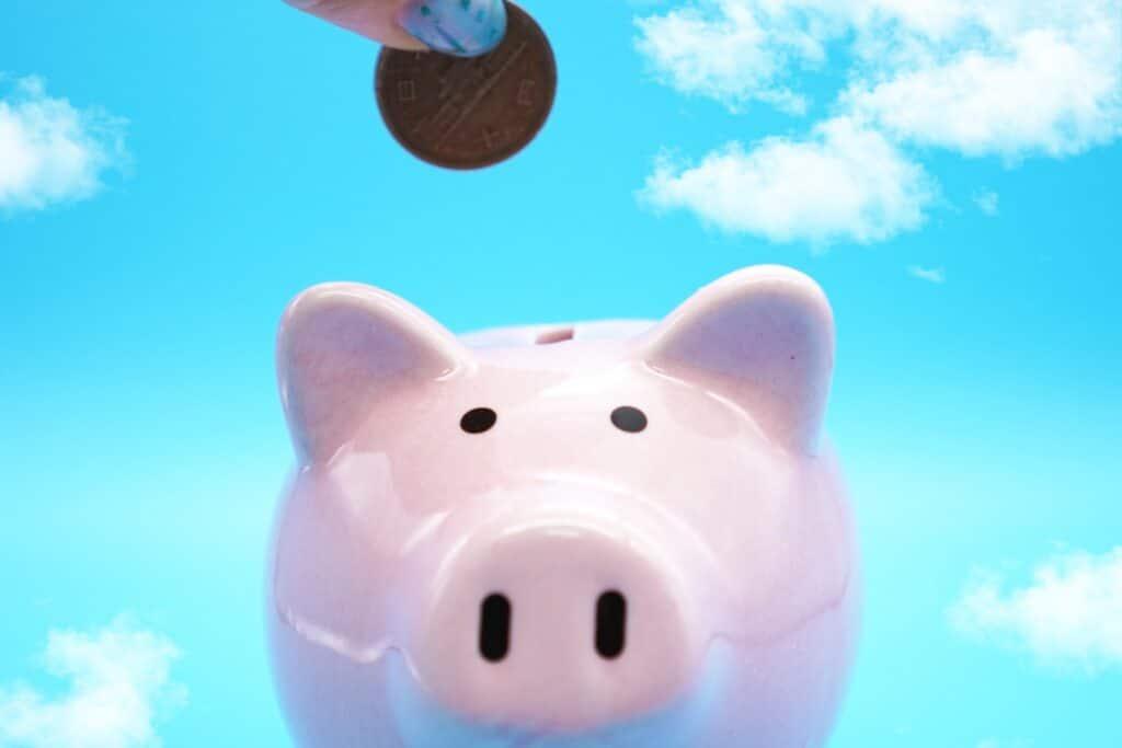 豚の貯金箱、10円