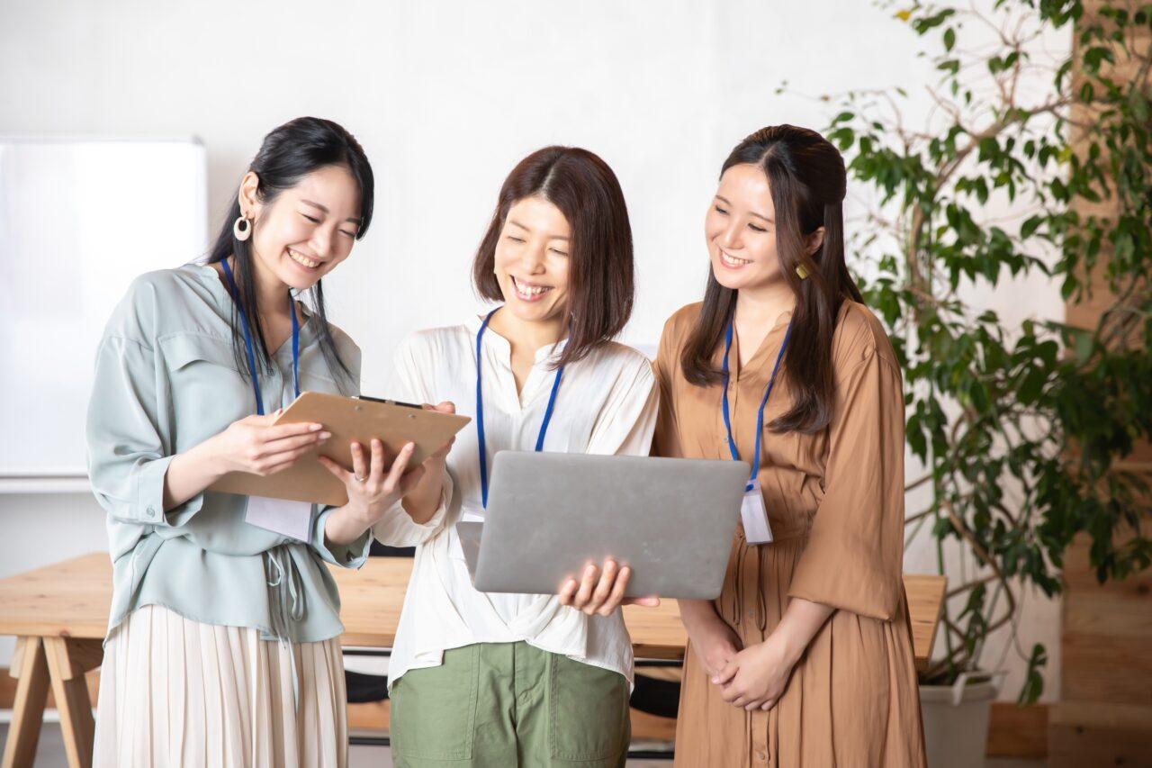 女性グループ会話