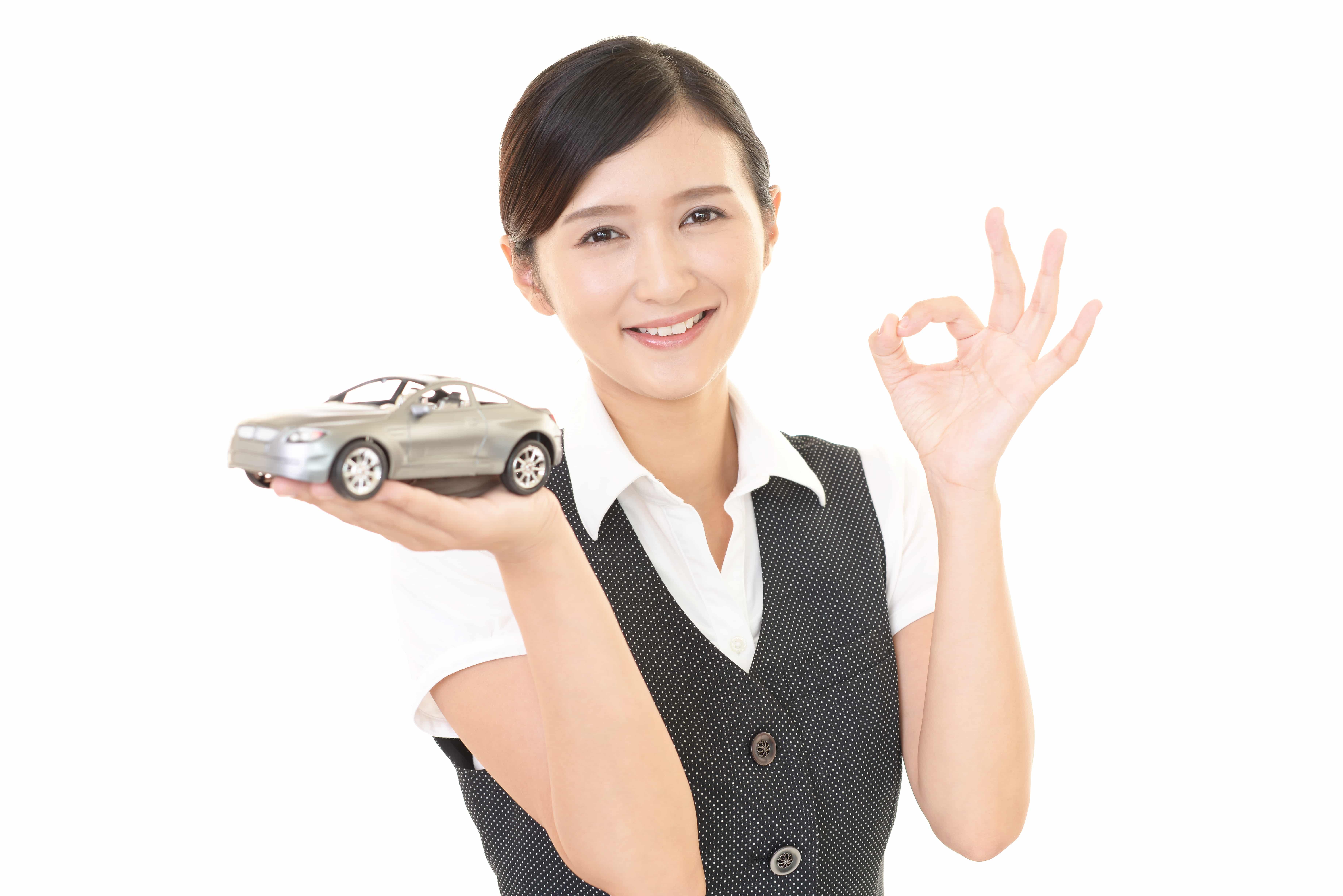 自動車を持つ女性