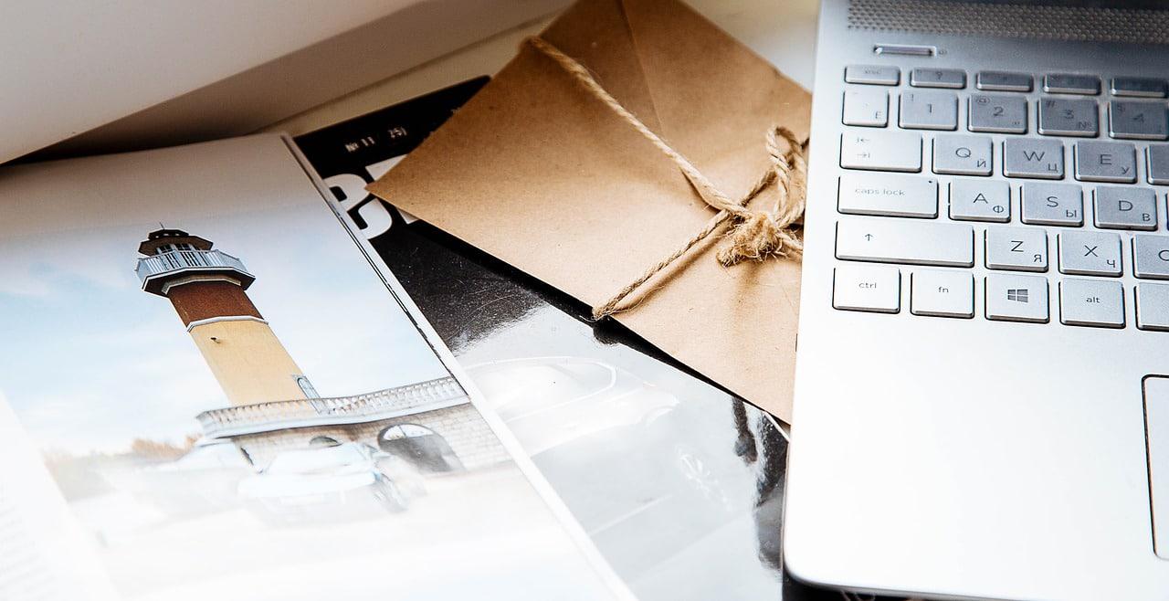 写真とパソコンの画像