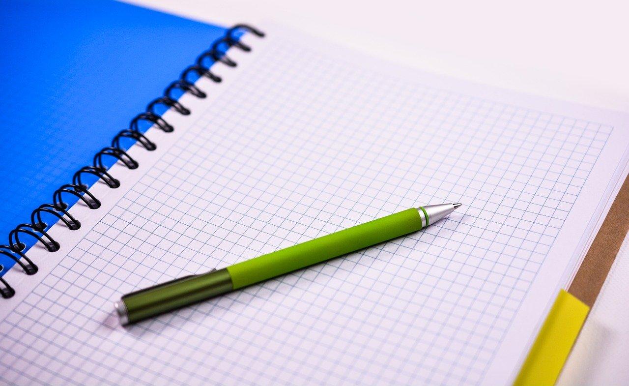 ノート、ペン、紙