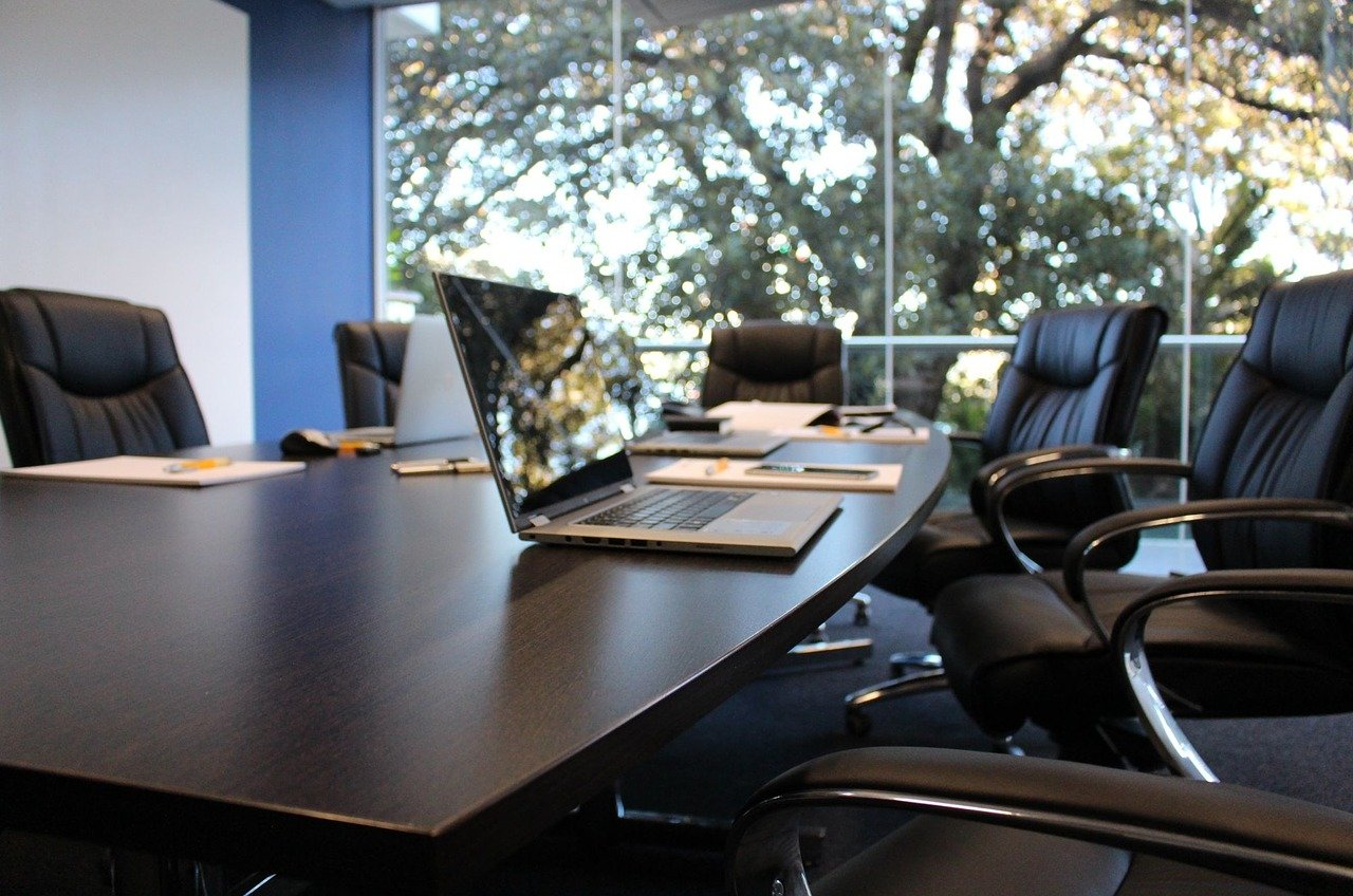 オフィスの会議室
