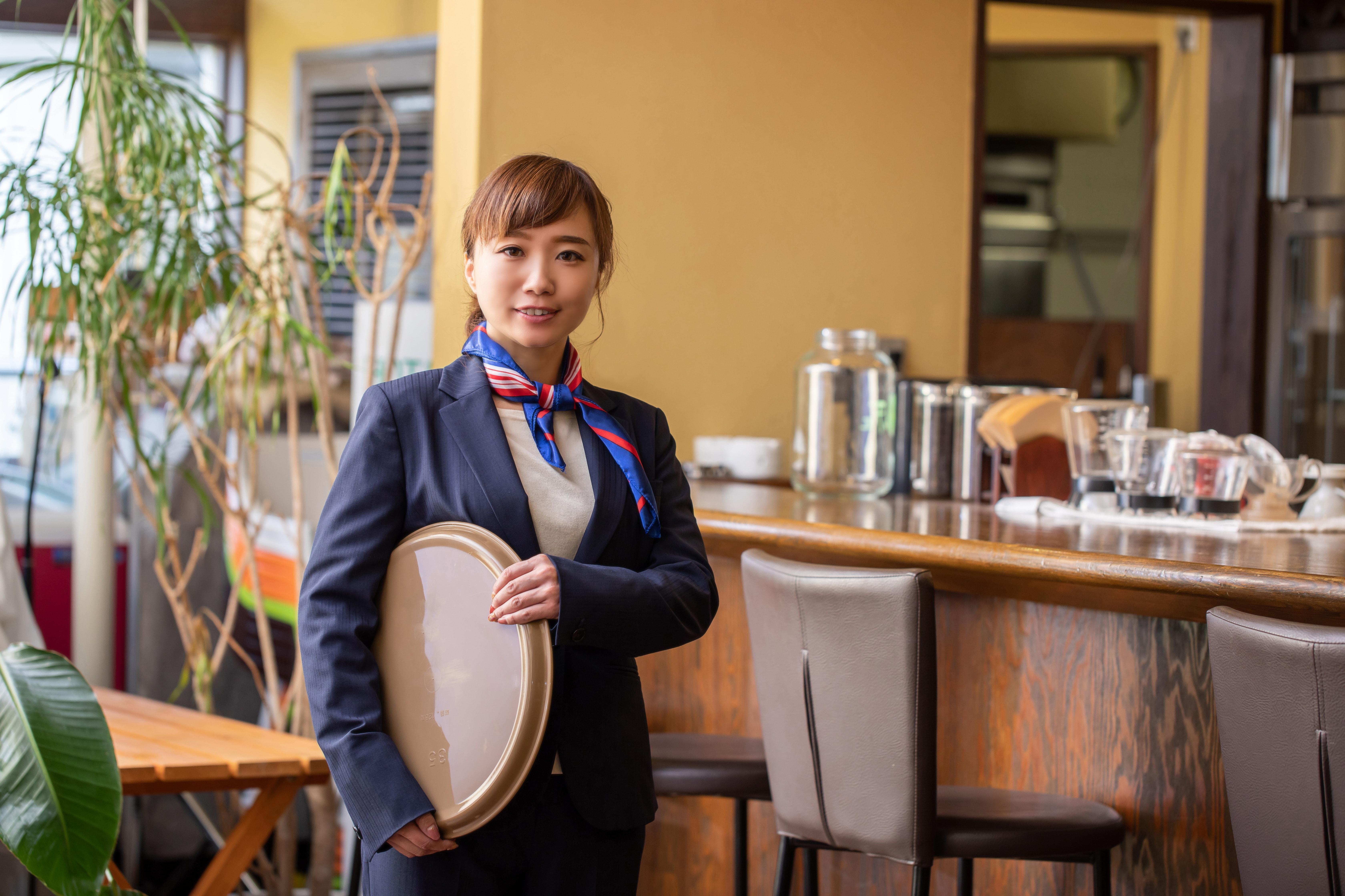 レストラン スタッフ