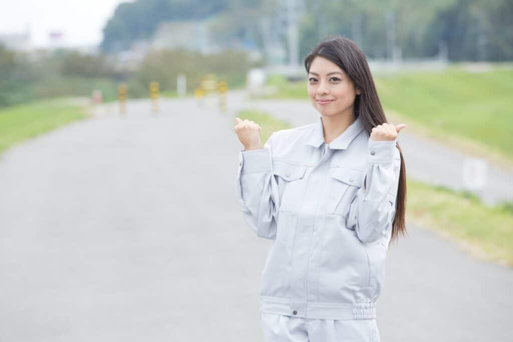 頑張る女性エンジニア