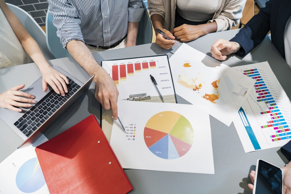 解析資料、チーム、会議