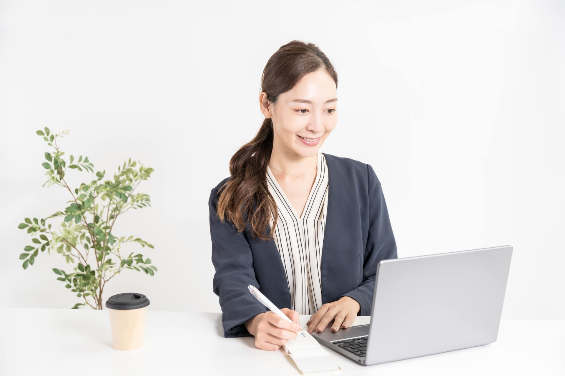 女性、パソコン
