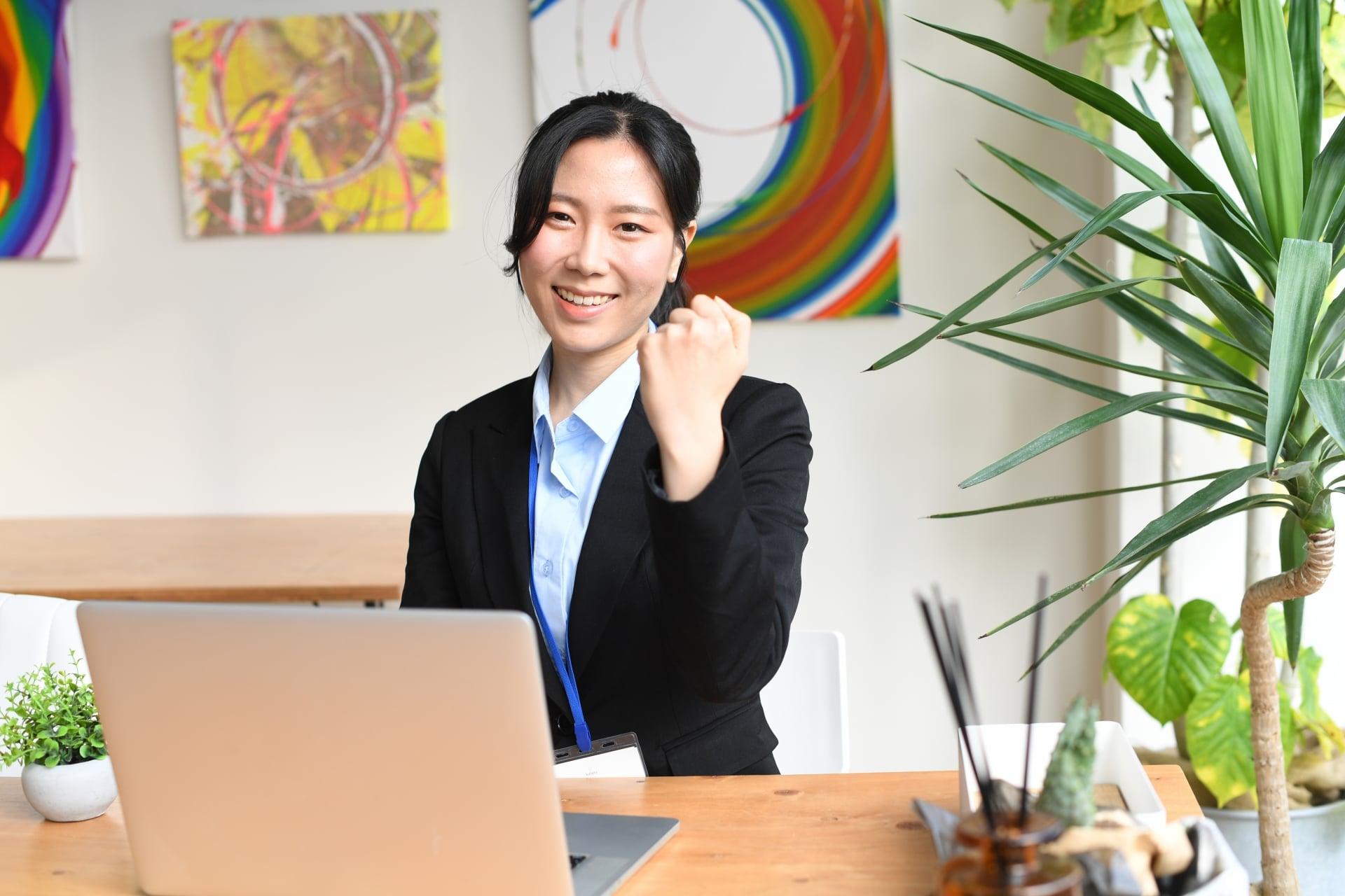 企画職の女性