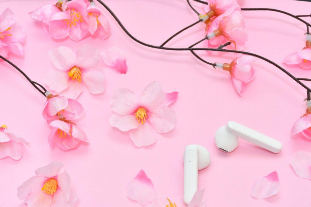 桜の花、イヤホン