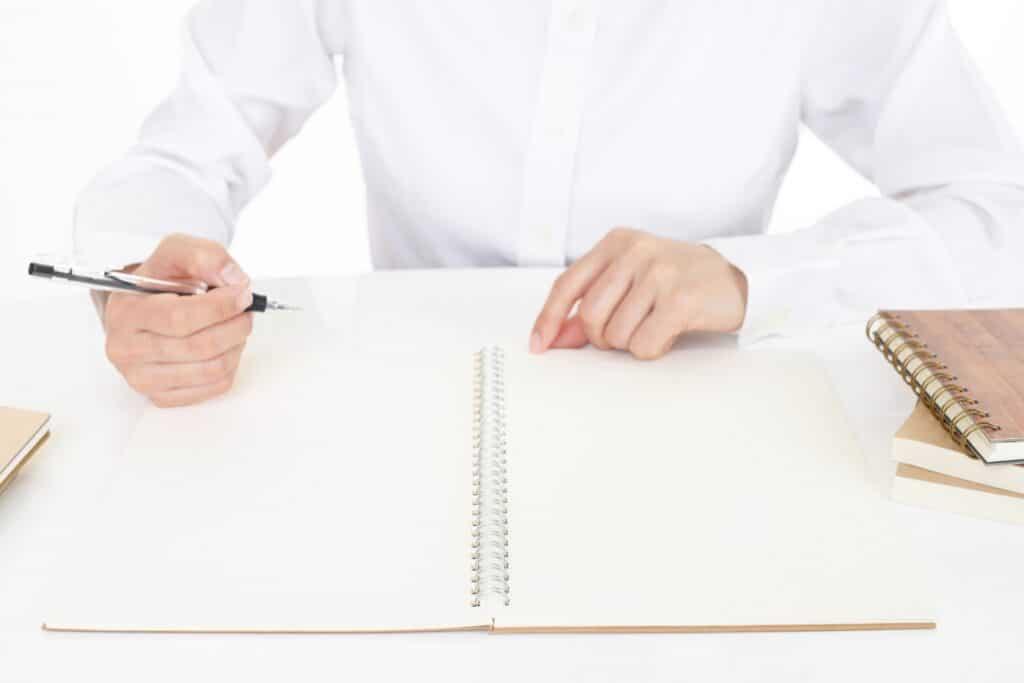 ノート、女性、ペン