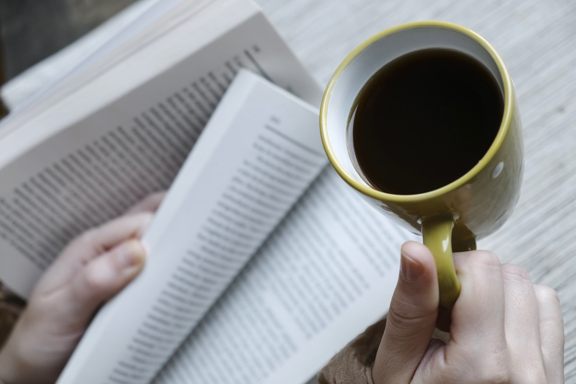 コーヒーと英文書