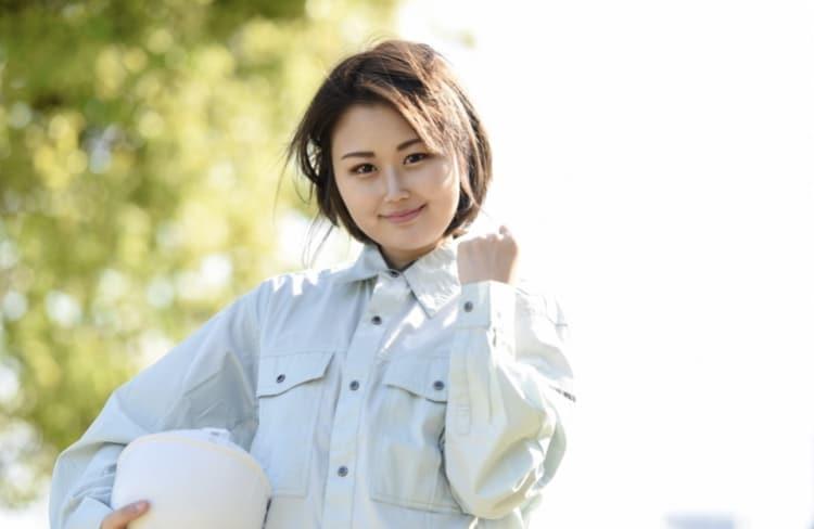 作業服の女性
