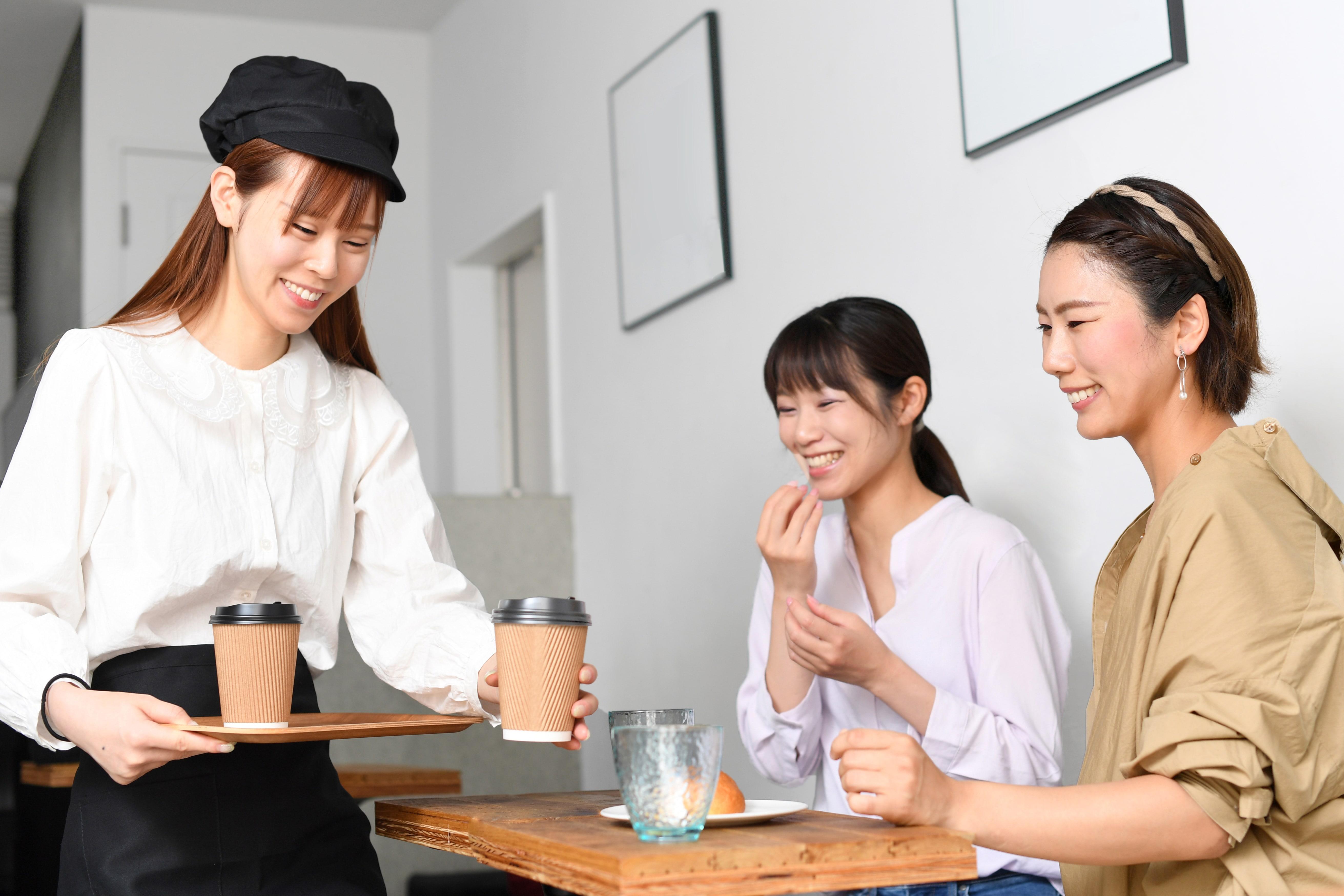 カフェ店員と顧客