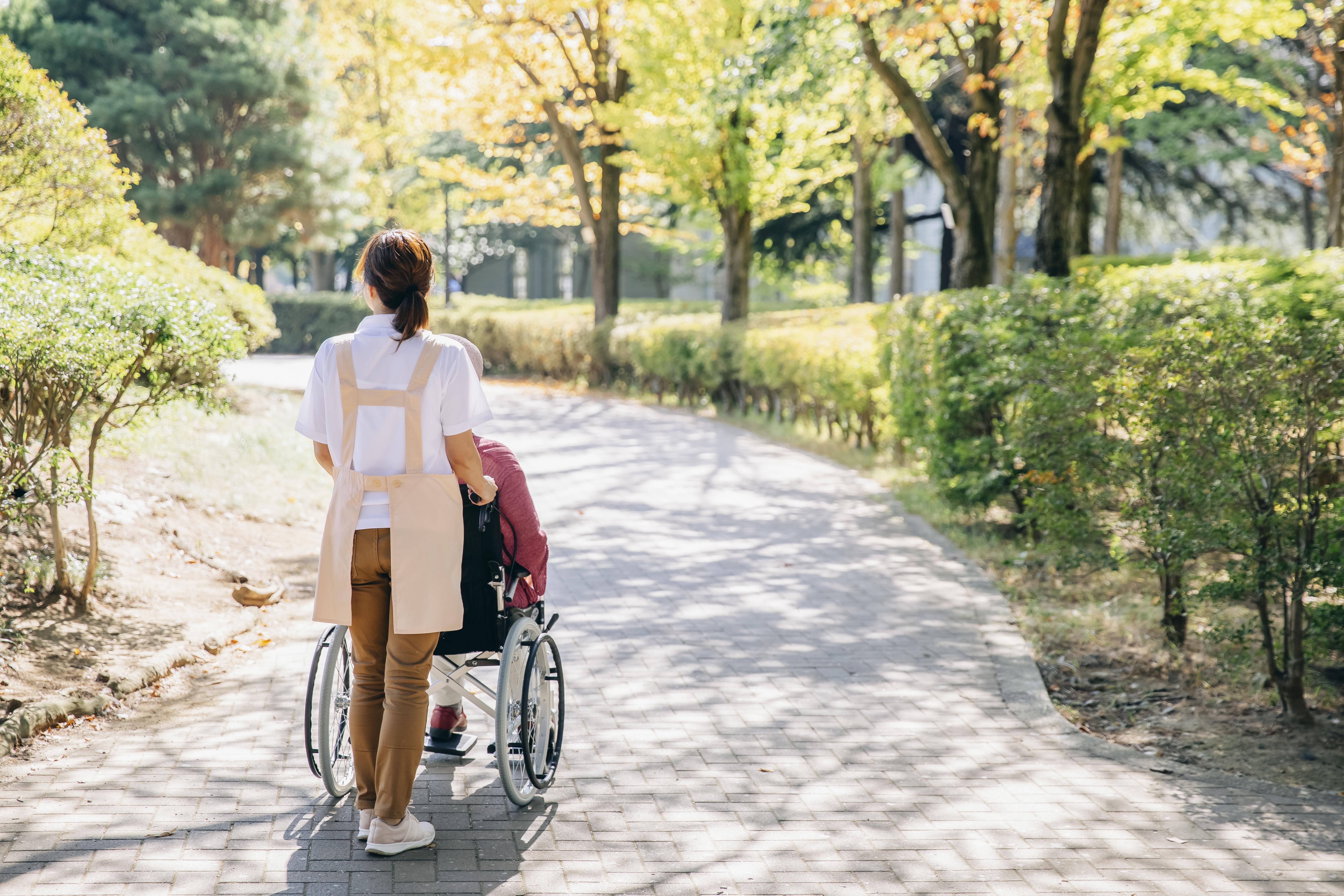車椅子散歩